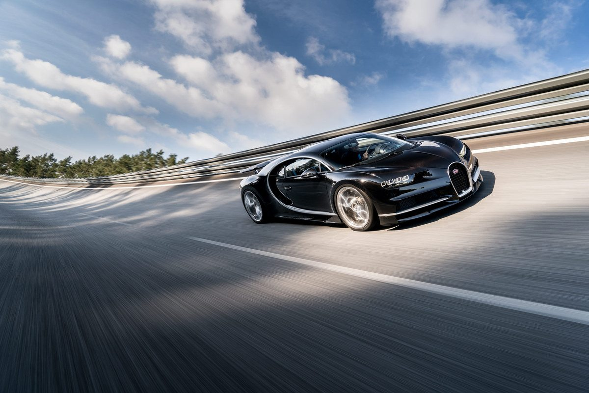 05_CHIRON_dynamic_34-front_WEB
