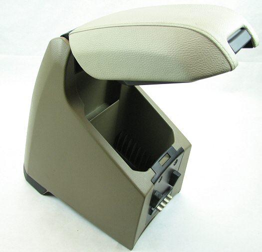 يمكن فك المسند الوسطي في فولفو XC90