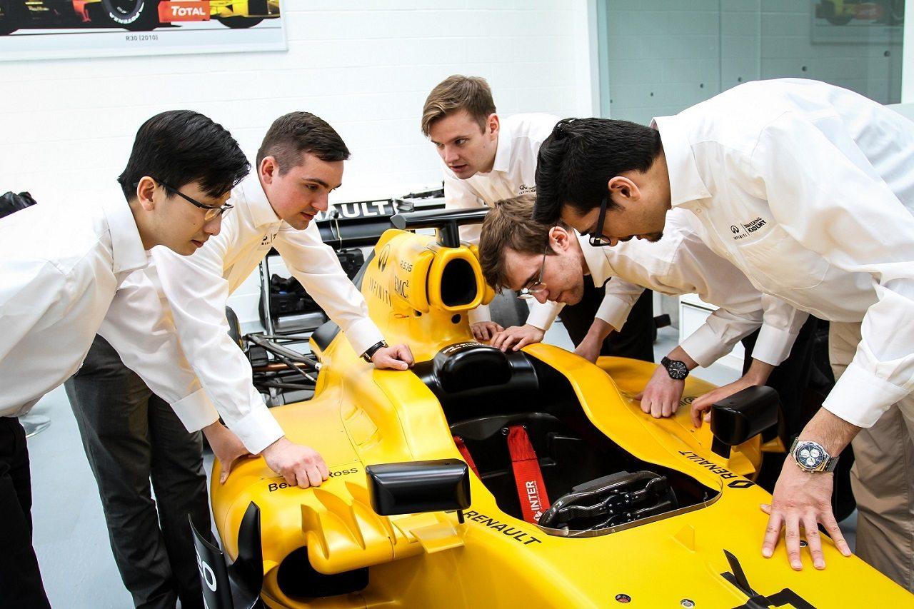 Photo of أكاديمية إنفينيتي الهندسية تختار 10 مرشحين من الإمارات