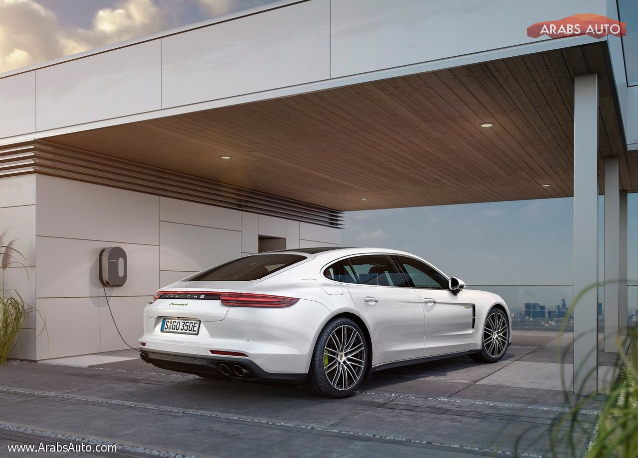 arabsauto-porsche-panamera-executive-2017-14