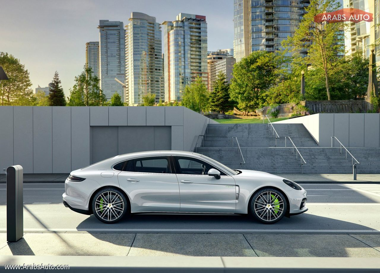 arabsauto-porsche-panamera-executive-2017-16