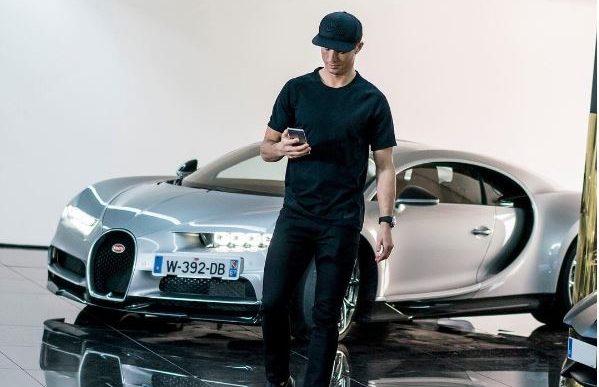 Photo of فيديو : كريستيانو رونالدو يجرب بيوغاتي شيرون، ولكن هل سيشتريها؟