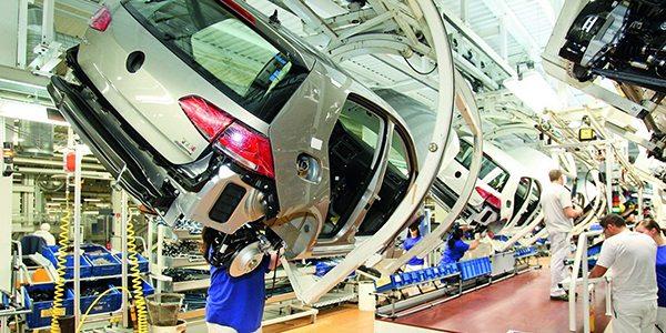 Photo of زيارة إلى مصانع فولكس فاجن: كيف يتم صنع سيارات المجموعة؟