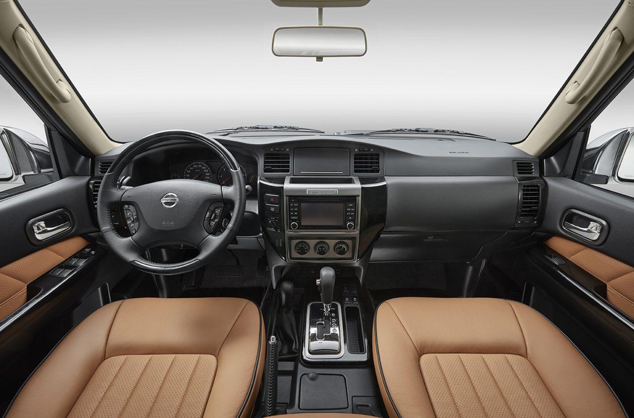 2017-Nissan-Patrol-Super-Safari-Y61-Interior | Arabs Auto