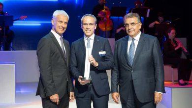 Photo of بريجستون تحصد جائزة مجموعة فولكس واجن عن فئة الابتكار والتكنولوجيا