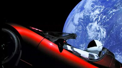 Photo of إطلاق صاروخ SpaceX: شاهد سيارة تسلا رودستر تحلق بعيداً في الفضاء