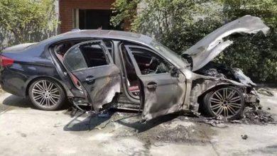 Photo of فيديو: صيني يشعل النيران بسيارته الفاخرة الجديدة لأغرب سبب ممكن