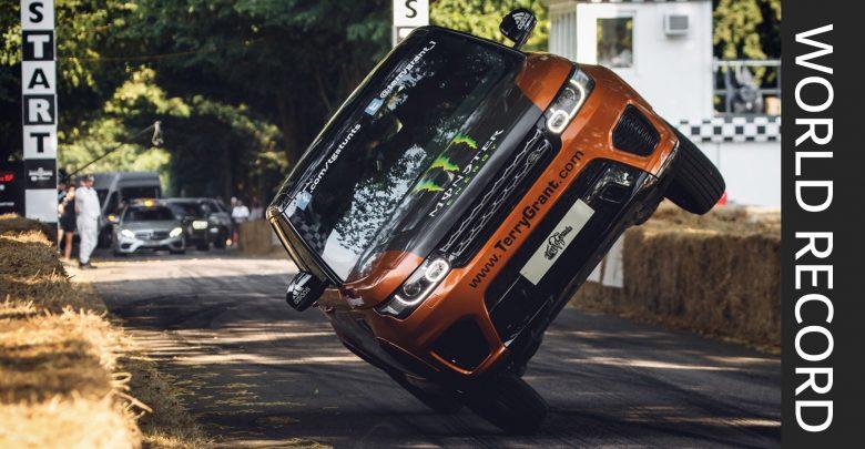 Photo of فيديو: تيري جرانت يحطِّم الرقم القياسي العالمي لأسرع ميل تقطعه سيارة على عجلتين