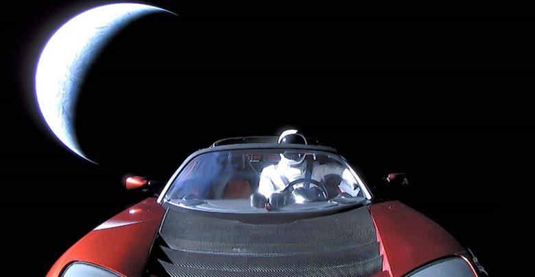 Photo of أتذكر تسلا رودستر التي حلقت في الفضاء؟ إنها تطوف الآن حول المريخ!