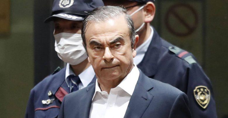Photo of كارلوس غصن يُقاضي نيسان وميتسوبيشي