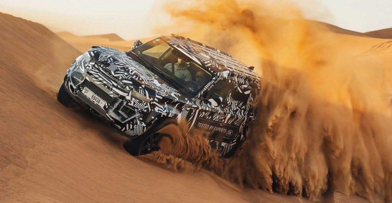Photo of شاهد اختبار لاند روفر ديفندر في صحراء الإمارات